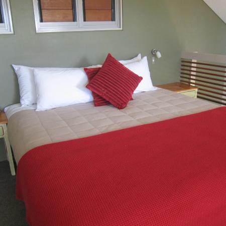 Elfin Hill: Bedroom