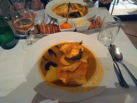 Une bonne bouillabaisse prix raisonnable photo de le restaurant lmb marseille marseille - Restaurant bouillabaisse marseille vieux port ...