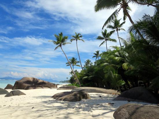 strand picture of hilton seychelles labriz resort spa silhouette island tripadvisor. Black Bedroom Furniture Sets. Home Design Ideas