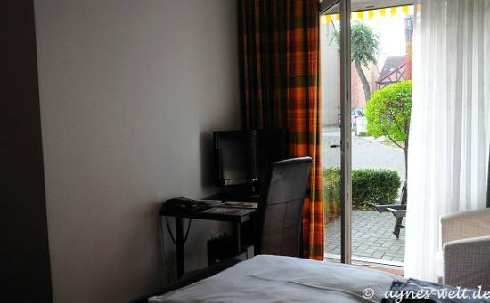 Parkhotel Helmstedt: Schlafzimmer / Schreibtisch
