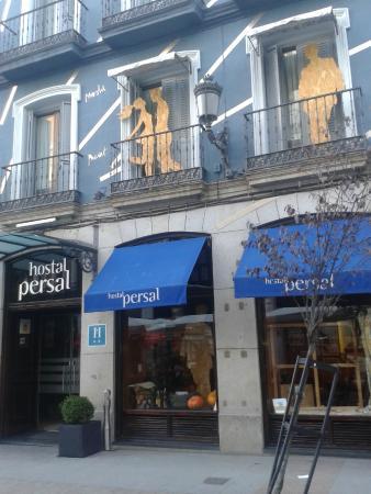 Hotel Persal : entrada del Hostal