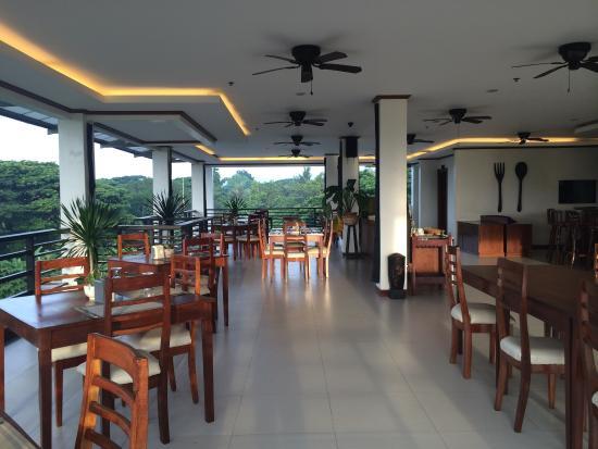 Ipil Suites Puerto Princesa: Their restaurant (4th floor)