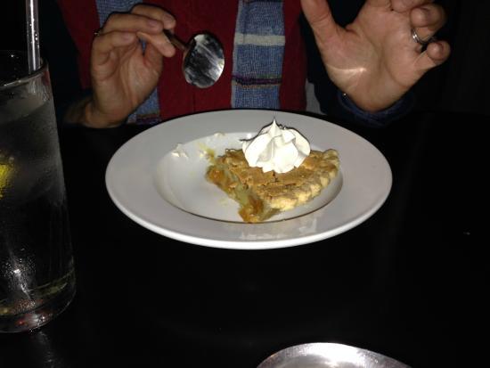 309 Bistro & Spirits: Apricot almond pie