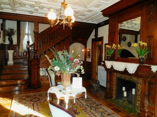 Victorian Foyer Ratings : Foyer picture of craig victorian bed and breakfast