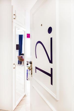 Andersen Boutique Hotel: Room entrance - detail
