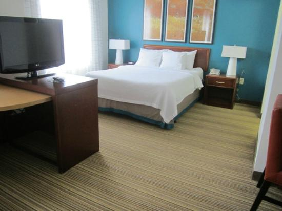 Residence Inn by Marriott Asheville Biltmore: My room was a studio with 1 queen bed