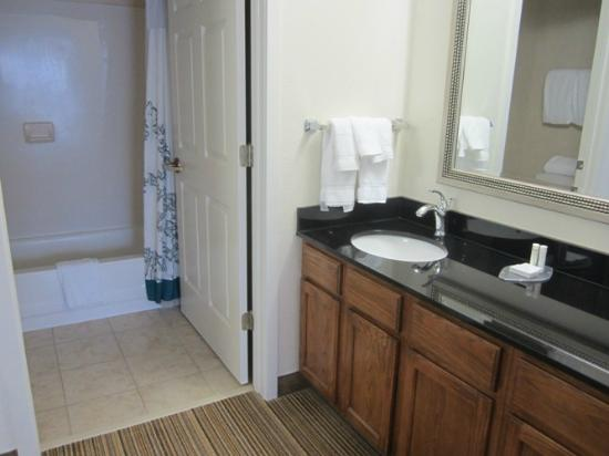 Residence Inn by Marriott Asheville Biltmore: My room was a studio with 1 queen bed.  This is the bathroom.  Vanity is separate from tub/toile