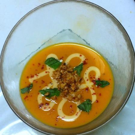 The Fortunate Glass: Cauliflower Saffron Soup