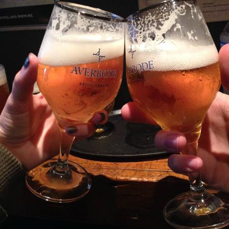 T' Brugsch Bieratelier : Cheers !!