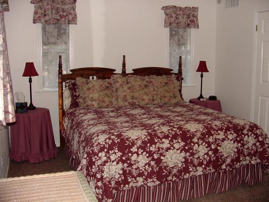 Yosemite's Apple Blossom Inn: Red Delicious Room