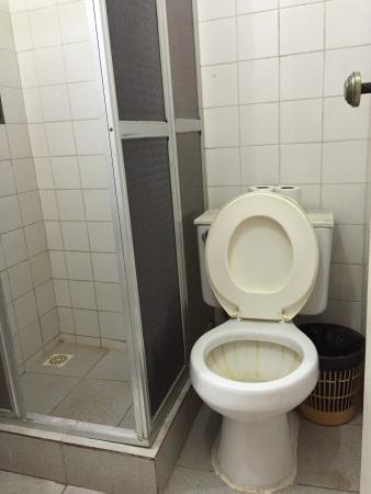 Hotel Colonial: Banheiro 202