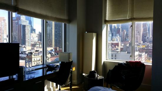 Kimpton Ink48 Hotel : Corner in Corner King Deluxe Room
