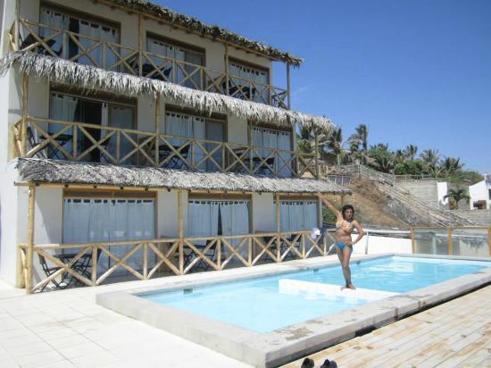 Hotel Costa Blanca de Mancora Vichayito : Una vista del hotel desde la piscina