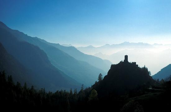 Quart, Italy: Il castello di Graines in Val d'Ayas