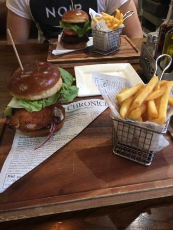Banyan Bar & Kitchen: Chicken Kiev Burger