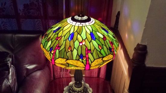 The Star Hotel B&B Inn: Art deco lamp in my room