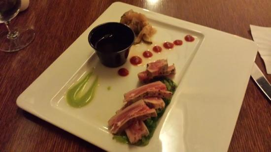 Emory Conference Center Hotel : Seared ahi tuna