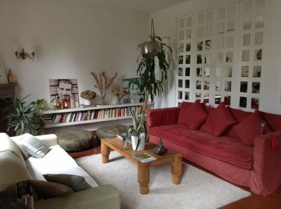 Casa di Mina: living room