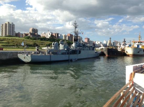 Crucero Anamora: vista en la base naval Mar del Plata