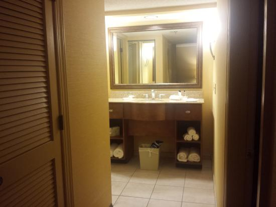 Homewood Suites by Hilton Raleigh/Cary: Bathroom sink area