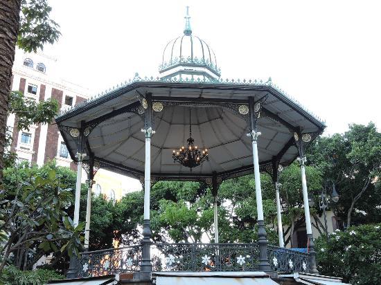 Plaza de la Constitucion : Kiosco...