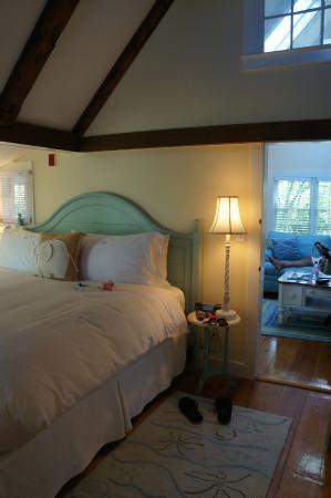 White Elephant: One bedroom garden cottage