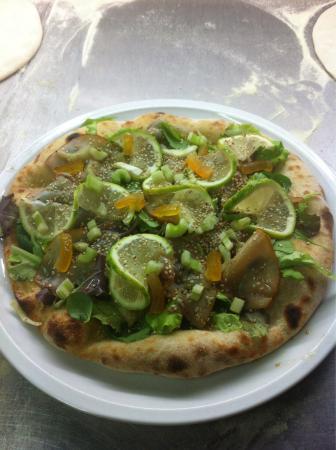 Sicily Pizzeria & Lounge Bar: Pizza nota dal maestro pizzaiolo benny garofalo