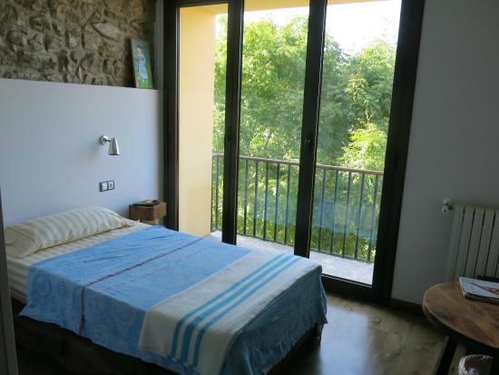 Hotel Restaurante El Lacayo de Sestiello: Bedroom, with balcony