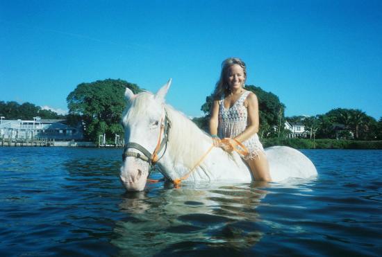 "Bradenton, Floryda: ""Lady"" in the water"