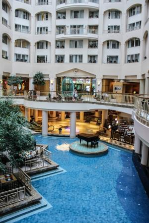atrium view from the 8th floor picture of grand hyatt. Black Bedroom Furniture Sets. Home Design Ideas
