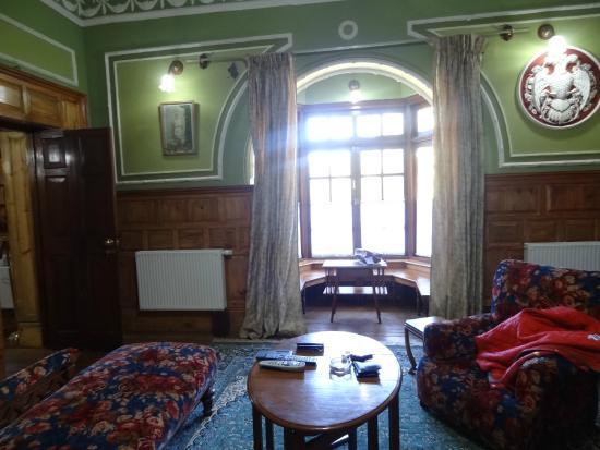WelcomHeritage Fernhills Royale Palace: Sitting area