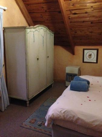 Elands Valley Private Bird & Game Sanctuary: Bedroom cupboard