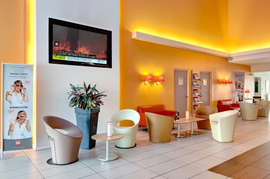 ibis la roche sur yon hotel mouilleron le captif france voir les tarifs et 256 avis. Black Bedroom Furniture Sets. Home Design Ideas