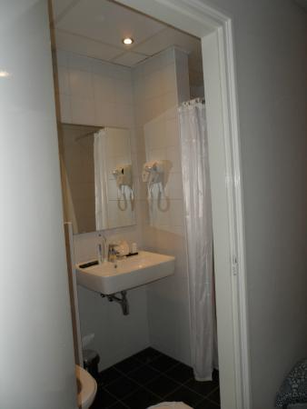 Hotel De Koepoort: Salle de bains