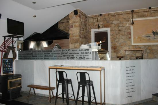 Braser a fotograf a de restaurante la roca soria for Restaurante la roca