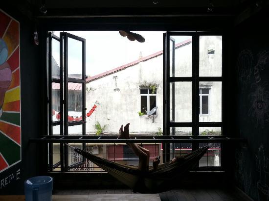 DIY Dorm: Common room