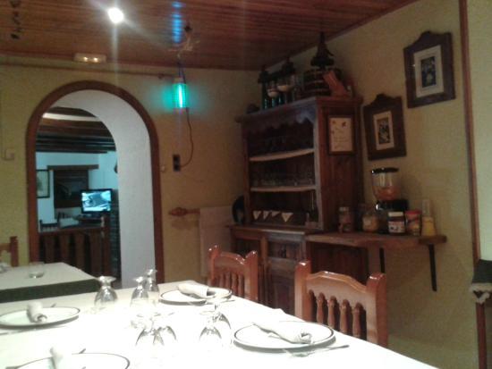 Casa Macià: entrada comedor