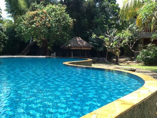 Nirwana Seaside Cottages: overloopzwembad