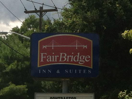 FairBridge Inn & Suites: Hotel & Grouds