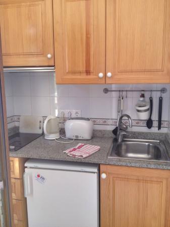 Apartamentos Can Marsalet: Кухня