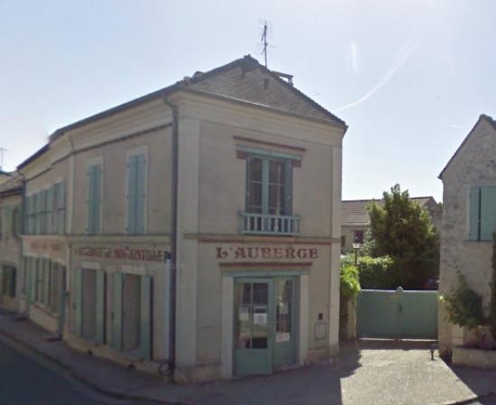 L'Auberge de Montainville: Vue de l'auberge