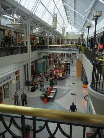Restaurants At North Point Mall In Alpharetta Ga