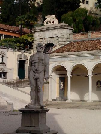 Province of Udine, Itália: 2