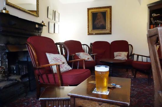 The Britannia Inn: cozy residents' lounge