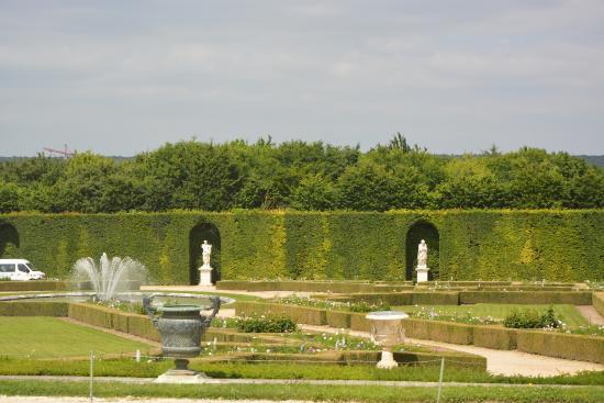 Jardins picture of chateau de versailles versailles for Jardin chateau de versailles