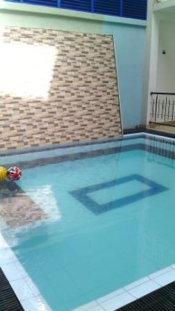 Wimals Resort: pool capture by up stair