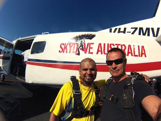 Skydive Cairns: with Lead Instructor