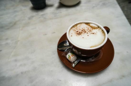 Cafe & Bar Gavroche: cappuccino