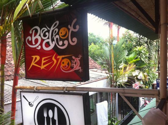 Bedhot Resto: Redhot vue depuis le balcon