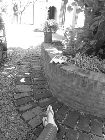 La Casita De San Telmo : hermoso patio q da a las habitaciones..